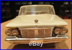 1963 Chrysler Imperial dealer promo 1/25 model beige AMT