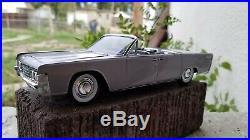 1965 Lincoln Continental Convertible Pro Built 1/25 AMT Model Kit