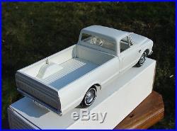 1967 CHEVROLET C10 FLEETSIDE PICKUP TRUCK PROMO MODEL WHITE AMT