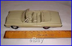 1968 Chevrolet Ss 427 Convertible Promo Model Car 1/24 Scale Amt