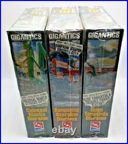 1996 Amt/ertl Set Of 3 Gigantics Diorama Scorpion Tarantula & Mantis Model Kits