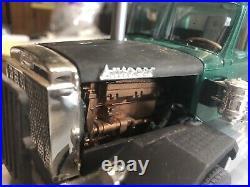 1/25 AMT AutoCar DC9964B Dump Truck Universal Construction