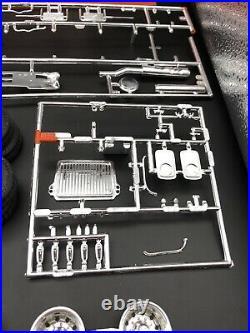 1/25 AMT Junkyard Dog 1967 Mack Truck Kit #6653 1986 Issue Builder Special