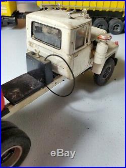 1/25 AMT Mack R600 Built Junkyard with Dump Trailer