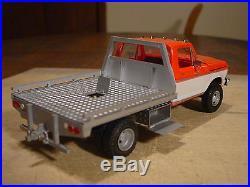 1 25 Custom Built Amt 78 Ford F 350 Dually Utility Flatbed