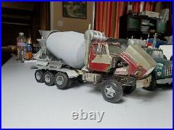 1/25 ERTL International S Series F-2674 Rex Mixer Junkyard built truck
