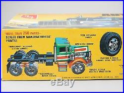 1/25 Scale Super Detailed Kit Vintage AMT T526 Autocar A64B Truck Tractor