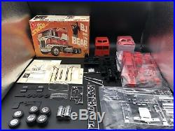 1/32 AMT BJ And The Bear Kit #5025 1980 Issue with extras from re-issue kit