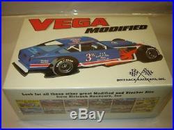 2006 amt #21899 VEGA MODIFIED Stock Car 1/25 Model Kit new in the box