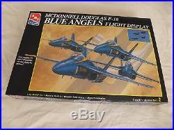 AMT 172 F-18 Blue Angels Flight Display (4 Model kits)