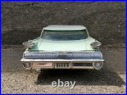 AMT 1959 Oldsmobile Ninety-Eight 98 Promo 125 Scale Plastic Dealer Model Car