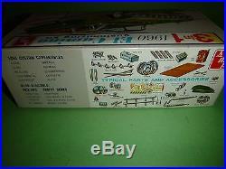 AMT 1960 CHEVY EL CAMINO 7660 CUSTOMINZING ANNUAL Model Car Mountain KIT 1/25