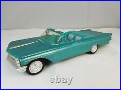 AMT 1960 Pontiac Bonneville Convertible Promo Model Car