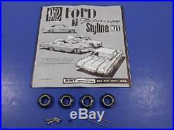 AMT 1962 Ford Galaxie Hardtop 1/25 Model Car Kit