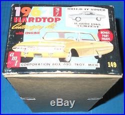 AMT 1962 Pontiac Tempest Lemans Coupe-K 6022-3 in 1 1/25 Scale Model Car Kit