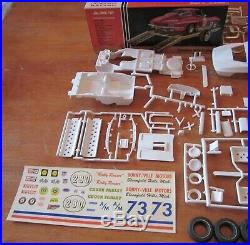 AMT 1964 Corvette Coupe & Trailer 3-in-1 Annual Kit # 6924 Unbuilt in Box 64