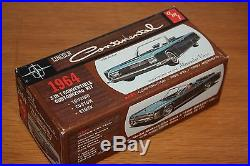 AMT 1964 LINCOLN CONTINENTAL CONVERTIBLE NICE! 1/25TH