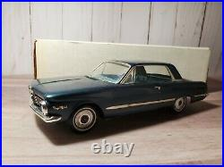 AMT 1964 Plymouth Valiant Signet 200 Promo 125 Scale Plastic Model Car Kit