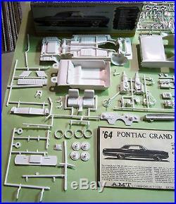 AMT 1964 Pontiac Grand Prix 3-in-1 Annual Kit #6654 Unbuilt in Box 64