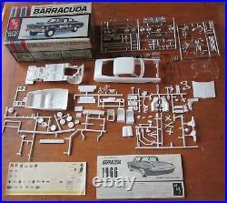 AMT 1966 Plymouth Barracuda Stock or Hemi Kit # 6856 Vintage Drag Mopar 66
