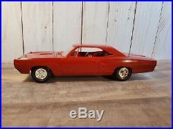 AMT 1968 Dodge Coronet R/T Hardtop Dealer Promo 125 Scale Plastic Model Car Red