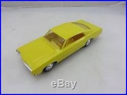 AMT 1968 FORD GALAXIE 500 LTD 428 XL PROMO Model Friction Car Yellow