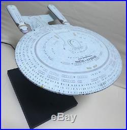 AMT 1/1400 Star Trek USS Enterprise NCC 1701 D Custom Built Lit Lighted Model