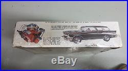 AMT 1/16'57 Chevrolet Chevy Nomad Vintage Model Car Kit FACTORY SEALED
