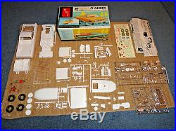 AMT 1/25 1964 CHEVELLE EL CAMINO WithBOAT 3IN1 PLASTIC MODEL KIT UNBUILT 8734-200