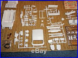 AMT 1/25'64 CHEVY IMPALA CONV. WithWORKING LIGHTS 3IN1 MODEL KIT UNBUILT 6714-200