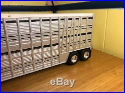AMT 1/25 Custom Built Cattle Trailer Air Ride Revell Michelins Baby Moons