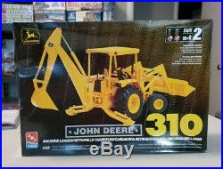 AMT 1/25 John Deere 310 Backhoe Loader 1999 Issue With Decals