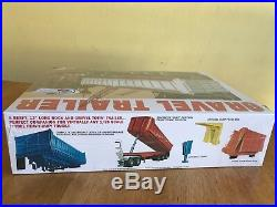 AMT 1/25 Mack R685ST Tractor and MPC 1/25 Tri-Axel Gravel Trailer Sealed
