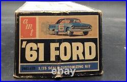 AMT 2461 1961 FORD GALAXIE CONVERTIBLE ANNUAL KIT 1/25 McM NIB Vintage