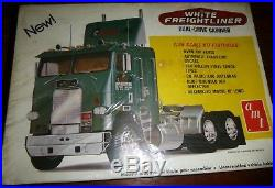 AMT #276 T540 WHITE FREIGHTLINER DUAL DRIVE 1/25 Model Car Mountain FS