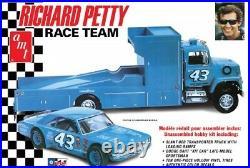 AMT #43 RICHARD PETTY RACE TEAM DART&FORD TRUCK 1/25 Model Car Mountain. In stock