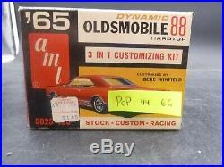 AMT 5025 #44 1965 OLDSMOBILE 88 HARDTOP 1/25 Model Car Mountain