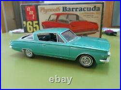 AMT'65 Three In One Plymouth Barracuda Customizing Gene Winfield 1/25 Scale Kit