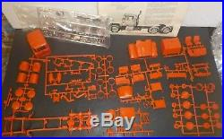 AMT 6653 MACK JUNKYARD DOG 1/25 Model Car Mountain STARTED DENTED TRUCK