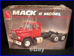 AMT/ERTL Mack R Model 1/25 Kit