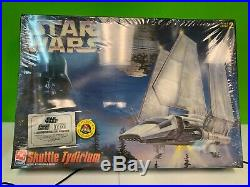 AMT ERTL Star Wars Shuttle Tydirium Model Sealed
