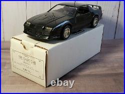 AMT Ertl 1991 Chevy Camaro Z/28 Promo 125 Scale Plastic Dealer Model Car Black