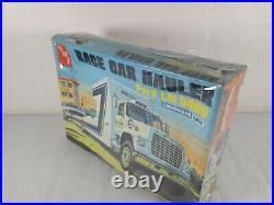 AMT Ford LN 8000 Race Car Hauler Louisville Line 125 Model Kit # T-505
