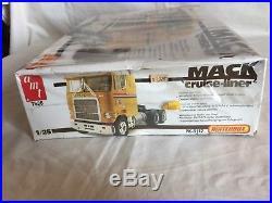 AMT Matchbox 125 scale Plastic Model Kit Mack Cruise-Liner COE Tractor Truck
