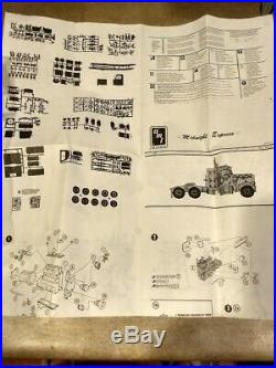 AMT Midnight Express Peterbilt 359 Model Kit Scale 1/25 ERTL