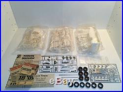 AMT PENSKE AMC MATADOR RACING TEAM KIT No. T565 UNBUILT 1/25
