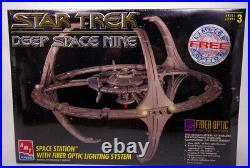 AMT Star Trek Deep Space Nine Space Station with Fiber Optic Lighting System