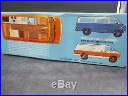 AMT T517 Chevy Van Open Road Mini Motor Home 1/25 Model Car Mountain