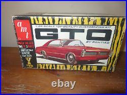 AMT Trophy Series 1965 Pontiac GTO 1/25