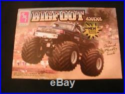 AMT. VINTAGE 1989 Ford F150 BIGFOOT 4X4X4 125 SCALE MODEL KIT #6712